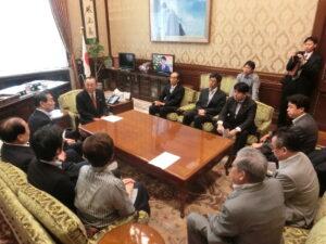 参議院選挙制度改革での山崎議長への申し入れ